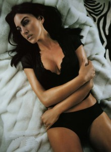 Le seins de Monica Belluci